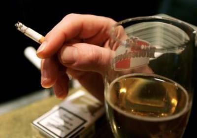 Что хуже алкоголь или сигареты