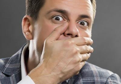 появился запах изо рта причины